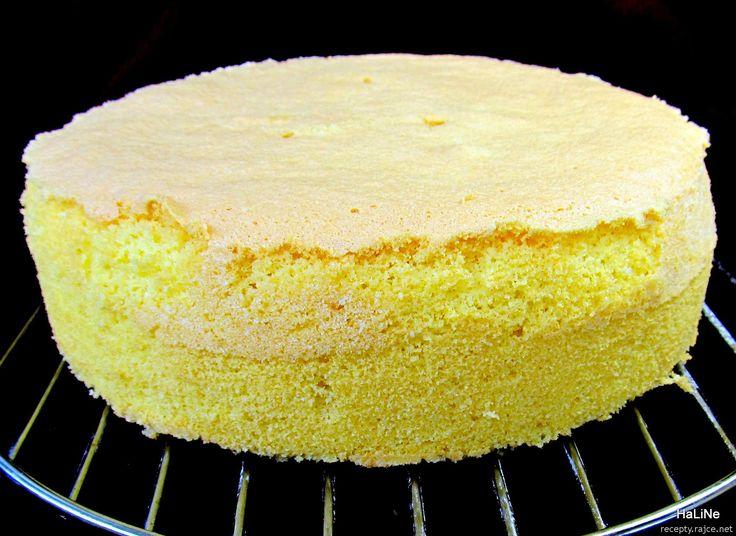 Dortový korpus z celých vajec        Pečeno v kulaté dortové formě s pantem o průměru 22 centimetrů.    5 větších vajec (250 g)  5 polévkový...