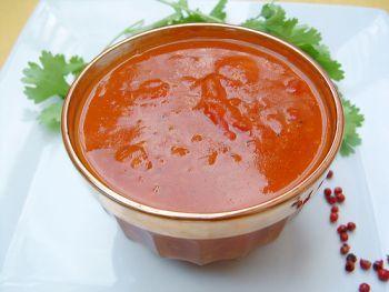 Pour accompagner mes viandes et poissons... ... rien de tel qu'une bonne sauce faite maison. Incontournables dans mon univers culinaire, voici mes 5 recettes de sauces inratables ! Je suis sûre ...