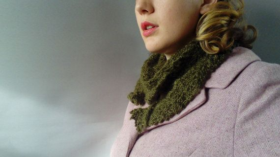 Hand knit scarf  Vintage ladies gift   Green wool scarf