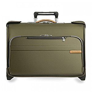 There aren't too many garment bags that are small enough to qualify as carry on luggage and still keep your suits or dresses as wrinkle-free as possible. However, these picks are the best carry on garment bags for air #travel right now. #luggage