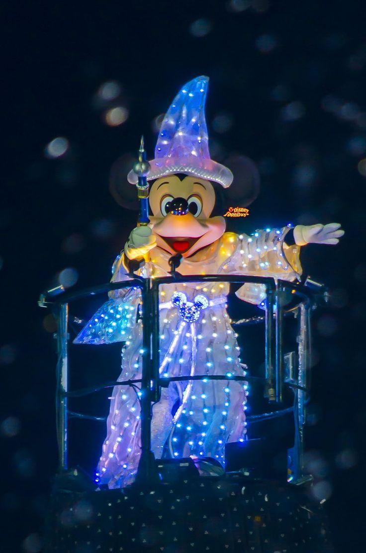 disneytoondays | ファンタズミック!の七色に光るミッキーマウス ...