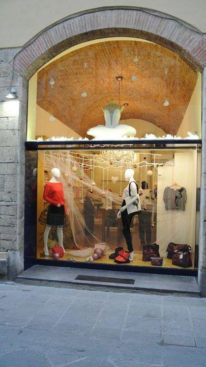 Cercate le nostre Rosso Latino da Topdance Prato! #RossoLatino #TopDance #danceshoes #shop