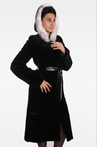 Шуба из щипано-стриженой Нутрии с капюшоном и поясом, отделка: Норка: цвет Черный купить в Москве по лучшей цене.