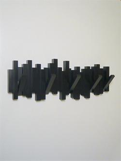 Sticks knagerækken m. 5 knager, design Luciano Lorenzatti/David Quan, knagerne kan vippes ud og ind, sort hård plast - ( incl. skruer og plu...