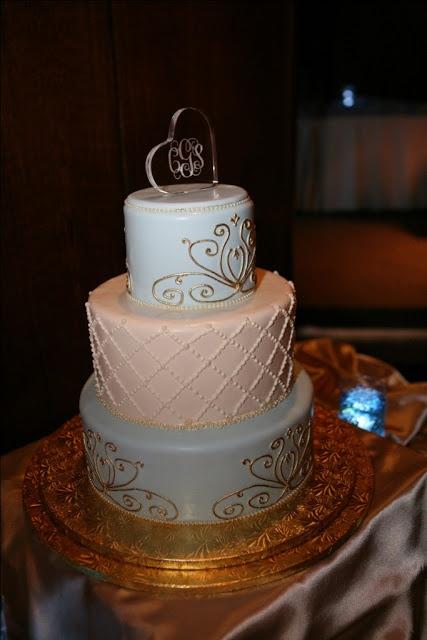 Cinderella wedding cake - Epcot Wedding.
