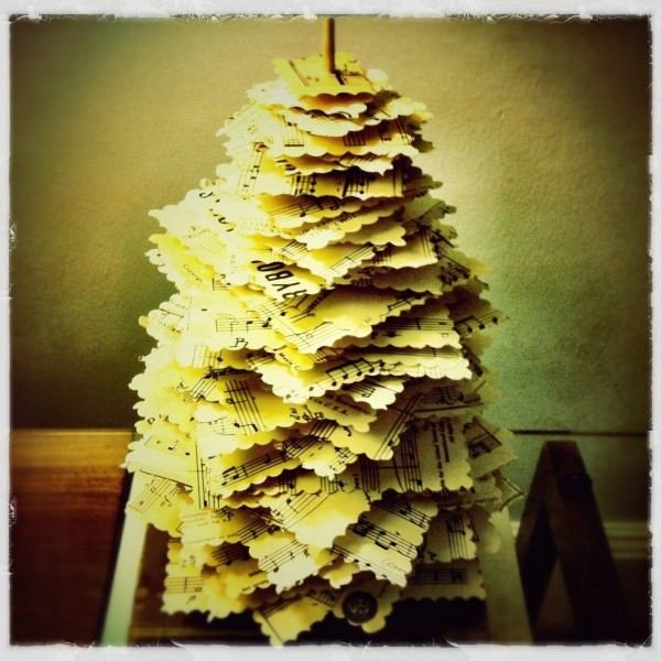 "DIY: Make A Paper ""Pine Tree"" From Upcycled Materials DIY Paper & Books"