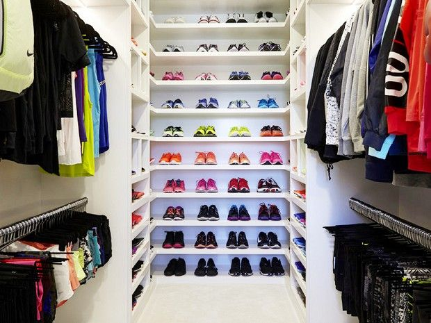 Khloé Kardashianu0027s Fitness Closet Is Completely Insane