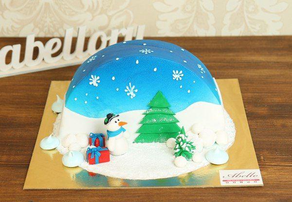 """http://abello.ru/netshop/cakes/celebration/new-year/catalogue-new-year-cakes_4969.html  Торт """"Снеговик""""  Прекрасный #зимнийторт, который можно поставить не только на детский стол, но и на новогодний. На нем есть все атрибуты зимнего праздника: елка, подарки, #снеговик, снежки и воздушные белые снежинки. Что может быть лучше, чем после веселой зимней прогулки выпить чашечку ароматного горячего чая со сладким десертом. А еще такой торт можно заказать для новогоднего огонька в детском саду или…"""