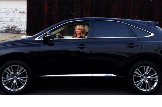 Melissa Rauch has a Big Bang Crush on her #Lexus 450 Hybrid #BigBangTheory