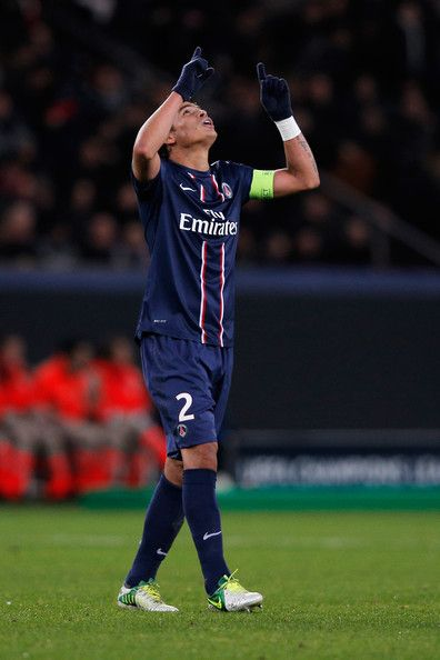 Thiago Silva Photos - Thiago Silva of PSG celebrates scoring the first goal of the game during the Group A UEFA Champions League match between Paris Saint-Germain FC and FC Porto at Parc des Princes on December 4, 2012 in Paris, France. - Paris Saint-Germain FC v FC Porto - UEFA Champions League