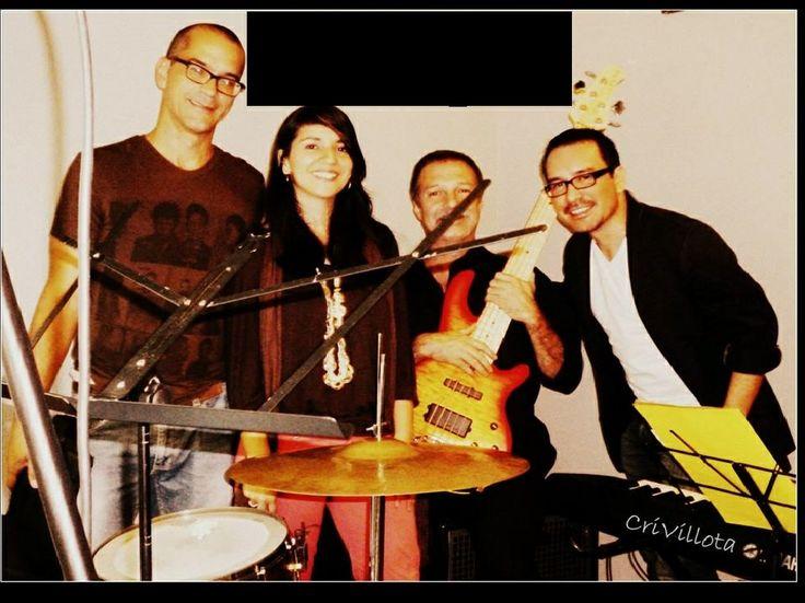 Este sábado 14 de diciembre te esperamos con la descarga musical de la Vie Swing en vivo!!