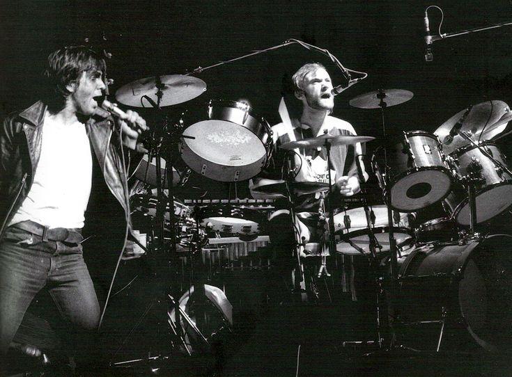 Genesis - Peter Gabriel & Phil Collins