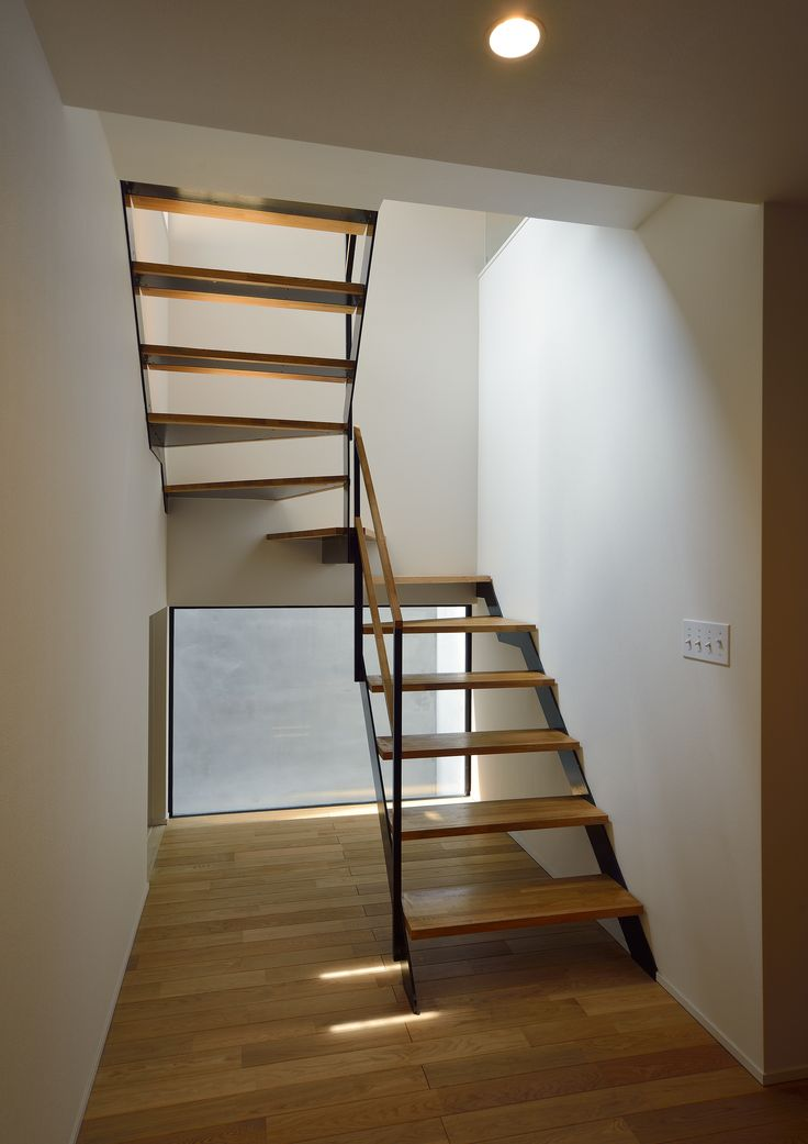 階段 | カテゴリー内一覧 | 建築知識研究所 木+鉄手摺