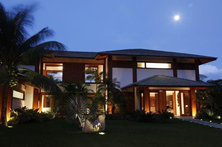 Mansão no Condomínio Costa Verde - Automação BTicino controlando toda iluminação da casa.