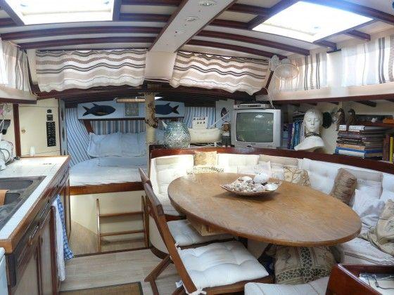 les 25 meilleures id es de la cat gorie voilier int rieur sur pinterest bateau voile vivre. Black Bedroom Furniture Sets. Home Design Ideas