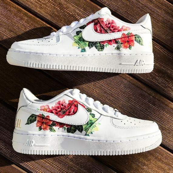 Pin by 𝕔𝕙𝕖𝕣𝕣𝕪 𝕓𝕠𝕞𝕓🍒 on shoes | Nike air