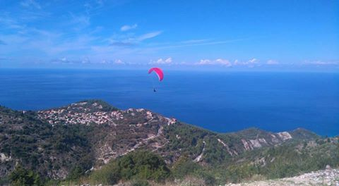 Flying high with Lefkada Paragliding.gr