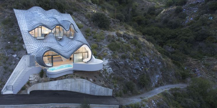 10 Mountain Houses - Cliffside And Mountain Views