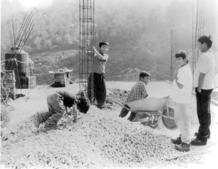 Boys play at construction site  Tequila, Veracruz