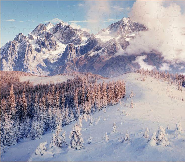 Besneeuwde bergen.