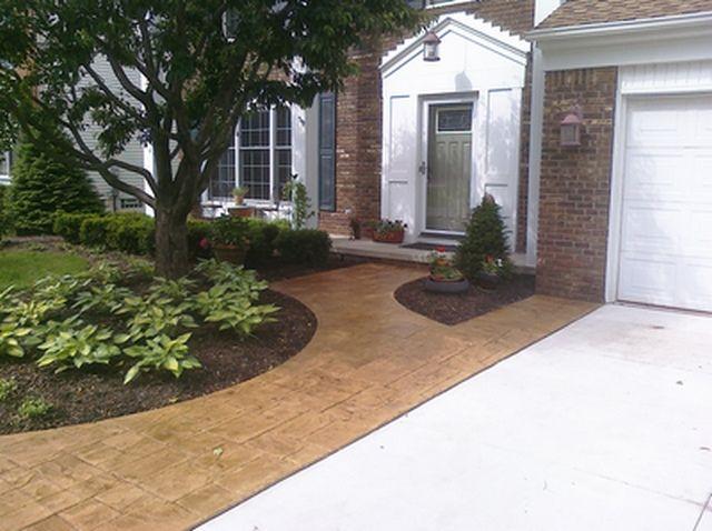 Concrete Driveway with Saw Cut Expasion Joints
