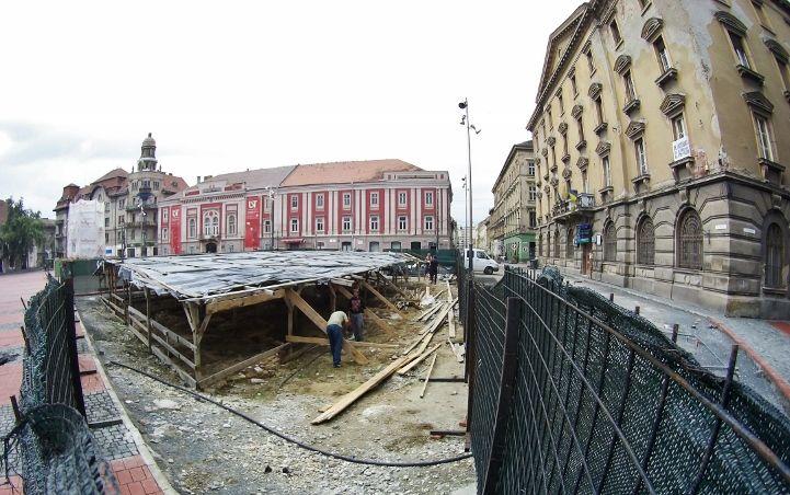 VEZI pentru ultima dată Băile turcești și Canalul austriac din Piața Libertății, înainte de a fi reîngropate VIDEO
