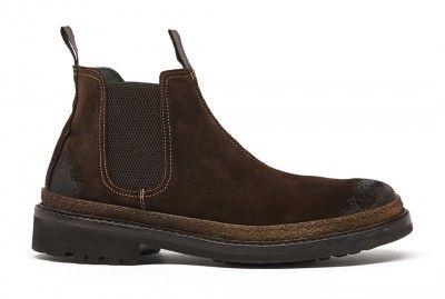 Si te gusta el farm look, aprovecha que esta temporada esta de moda. Estas botas Prada estas listas para presumirse en cualquier terreno