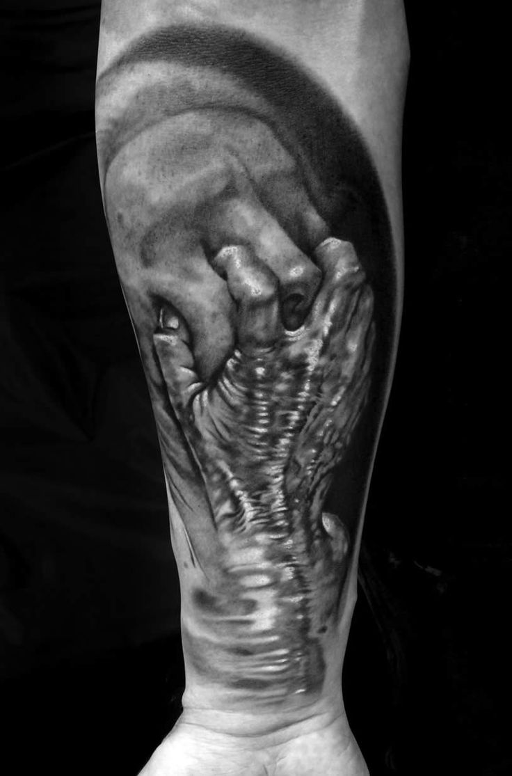 80 crazy and amazing tattoo designs for men and women desiznworld - Ugly Alien Skull Face Tattoo On Elbow Cool Tattoos Continues Pinterest Elbow Tattoos Skull Face Tattoo And Alien Tattoo