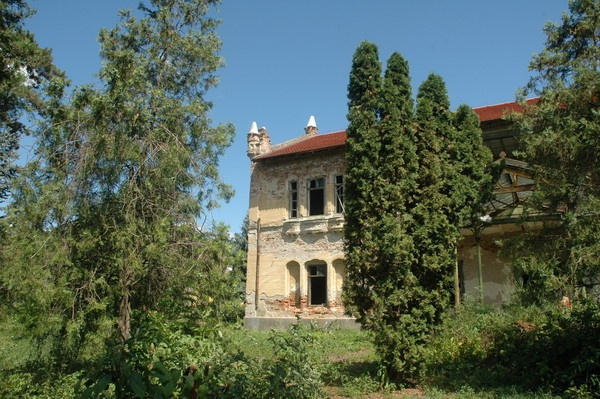 "http://www.panoramio.com/photo/4920359  ""Geist"" ex shooting-castle.."
