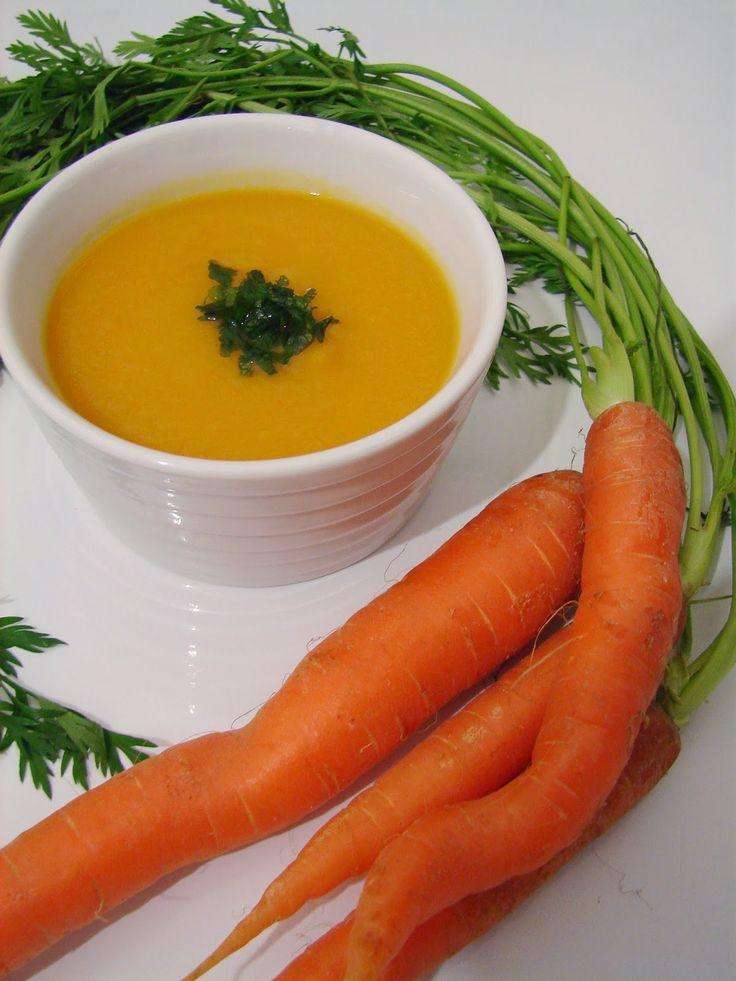 Sopa de cenoura e batata doce com coentros