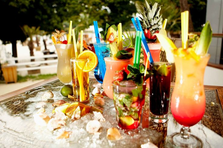 Five Caribbean Drinks For Your Dinner Party