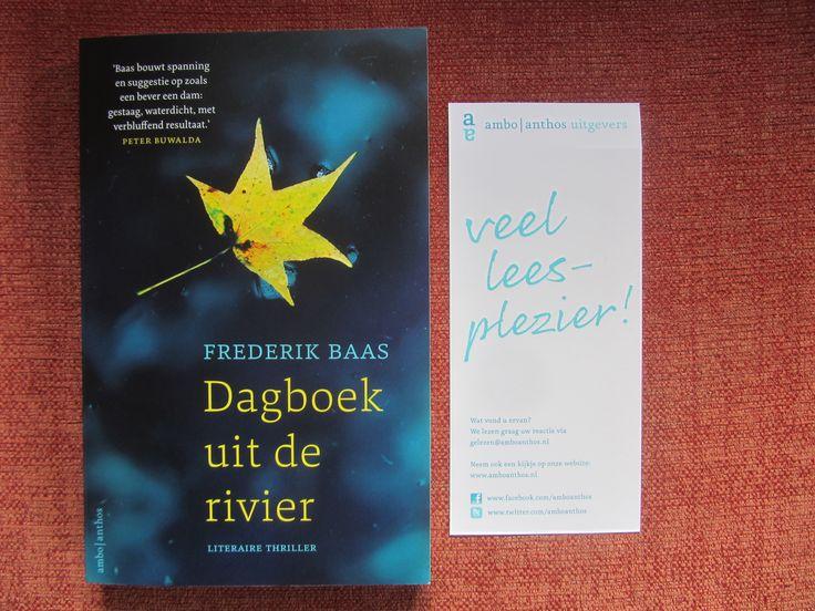 'Dagboek uit de rivier' is de debuutthriller van Frederik Baas, pseudoniem van Jan van Mersbergen. Naast literatuur een thriller schrijven is blijkbaar geen probleem voor deze schrijver. Toch is dit boek eerder gevuld met mooie zinnen dan met spanning. Het is tot halverwege het boek wachten tot er enige spanning voelbaar is.