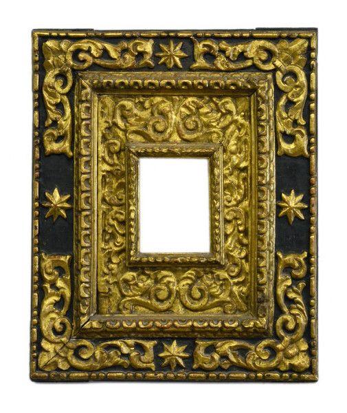 Spanish giltwood double frame, 17th century