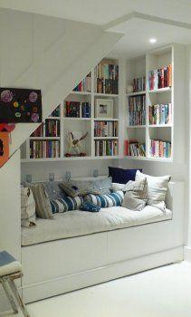 merdiven-alti-dekorasyonu-kitaplik-oturma