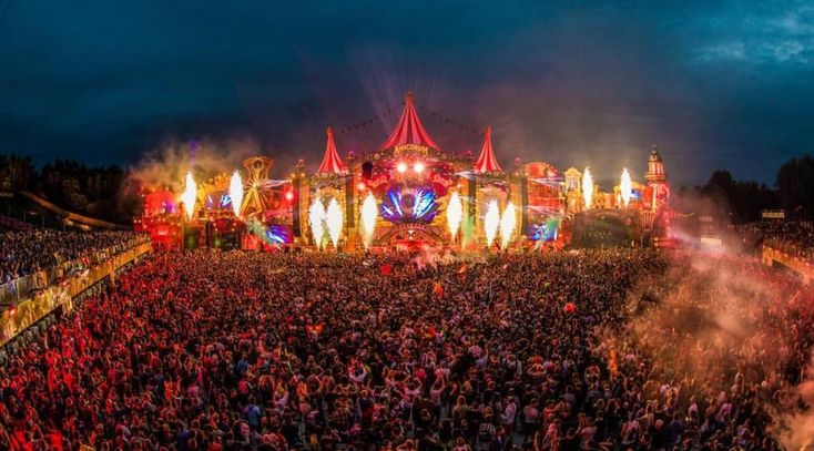 With a little over four months, Tomorrowland is heating up to be the summer destination. Drawing in travelers from all over the globe, the festival sold out in minutes. That means Tomorrowland is Approaching.