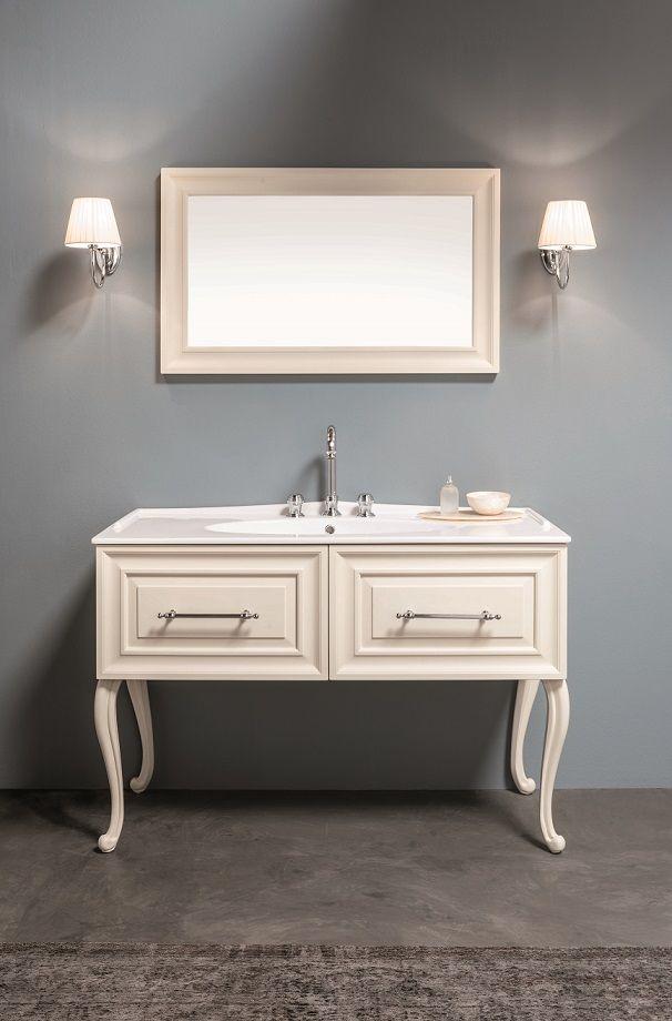 Composizione Maschera #GaiaMobili #gaia #bathroom #bagno #bathroomideas #bath #madeinitaly #italian #bathroompics #architect #interior #interiordesign #designer #furniture #wood #laccato #ral #lacquered #arredamento #showroom #mirror #luxurybathroom #classic #classicbathroom #arredobagno #mobiledabagno #italianstyle