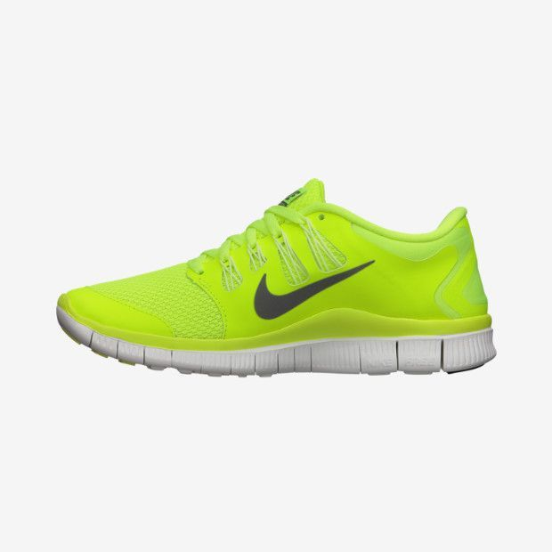 Running. My favorite sneakers ? Nike Free 5.0 running sneakers ? #fashion  shoes for