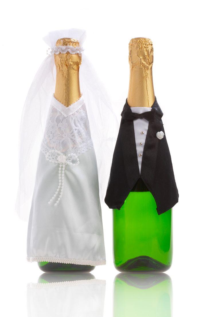 Drucken Sie Ihre eigenen Flaschenetiketten zur Hochzeit. Aus professionellen Vorlagen, ganz persönlich und individuell. Jetzt online selbst gestalten!