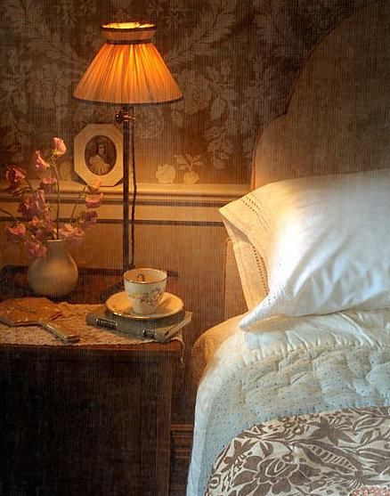 A cup of tea and a good book.: Teas Time, Cups Of Teas, Vintage Charms, Dreamy Bedrooms, Guest Rooms, Cozy Bedrooms, Good Books, Cozy Beds, Beautiful Bedrooms