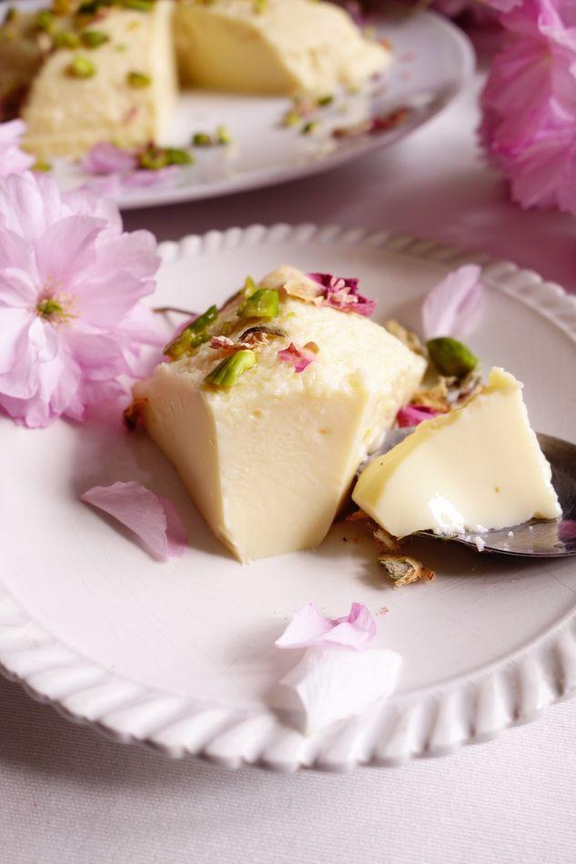 Flan indien : rose, cardamome et pistache | Roquette Rollmops