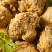 Copycat Outback Steakhouse Fried Mushrooms