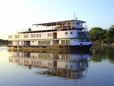 Pictures of River Cruise on Brahmaputra River Images http://www.hoparoundindia.com/assam/city-guides/guwahati.aspx#