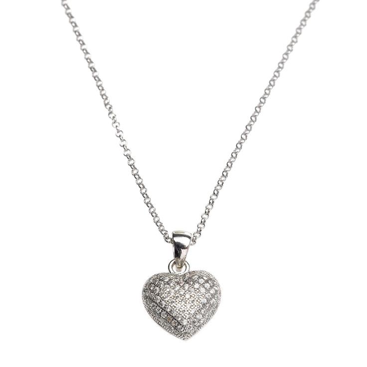Precioso colgante en forma de corazón en pavé de circonitas blancas   Dónde comprarlo?http://www.salvatore.es/ver/105/tiendas-salvatore-.html