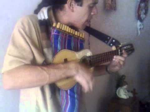 Carnavalito charango y zampoñas, Charango and pan pipes- watch it!!!