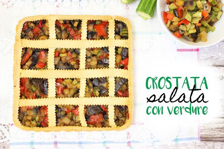 La crostata salata con verdure è un piatto unico realizzato con ingredienti semplici e genuini! Vediamo insieme come prepararla!