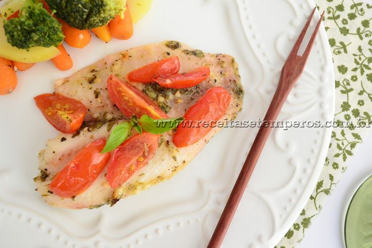 Um peixinho leve, firme e suculento com o sabor marcante coentro. Uma deliciosa sugestão para um jantar mais light. Leia mais...