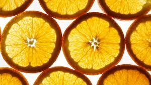 Aproximadajugo el 20% del total de producción mundial de naranjas se vende como fruta. El resto se utiliza para ha jugos (entre ellos tu jugo Yucho), extractos y preservantes.