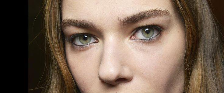Compre aqui: http://redenatura.dharanaventura.com.br Trend alert: a nova sobrancelha tem volume natural e pouca definição | Adoro Maquiagem