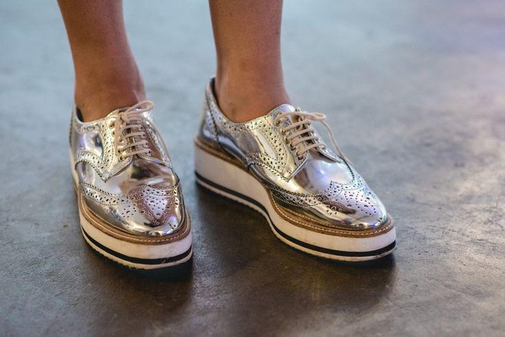 metallic oxford / Street style #SPFW: pézinhos fashionistas - Garotas Estúpidas - Garotas Estúpidas