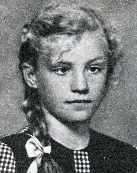 Анна Герман в школьные годы.jpg